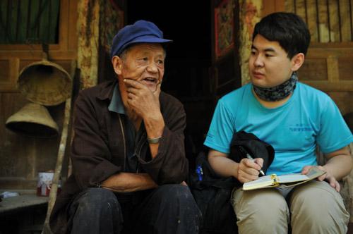 惠和秧盘制造公司走访慰问村贫困老人
