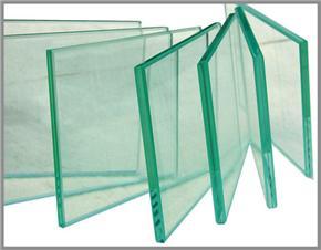 使用安全的玻璃,玻璃棧道才安全