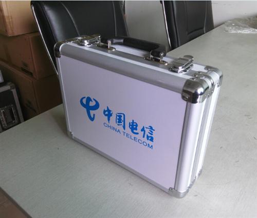 铝合金箱如何把重量控制得更轻便牢固