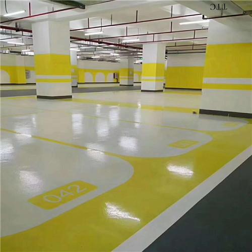 停车场地坪漆对地面有什么要求?