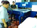 裁断机齿轮泵的装配 修理后的齿轮泵,装配时必须注意下述事项