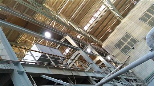 山纳集团化工厂房180WLED防爆灯