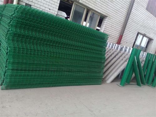 四川护栏网厂家简析公路护栏网产品作用范围