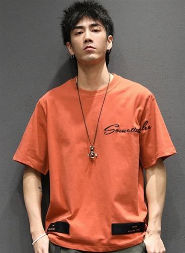 个性鲜明的潮男短袖T恤,穿好了非常酷