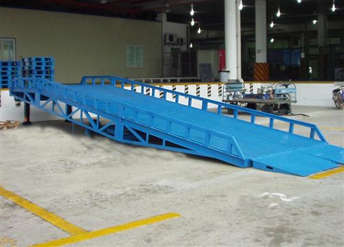武汉移动式登车桥装卸平台生产厂家