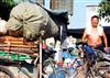 香港收废品不分早晚! 他56岁拾破烂17年后成富翁...