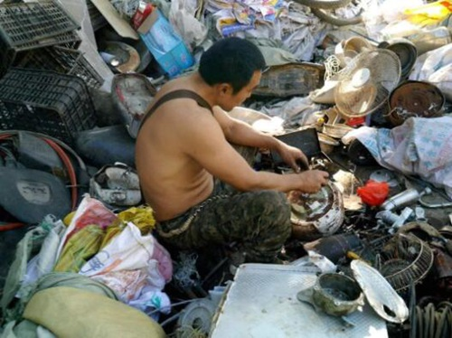 如果你老公是收废品的,一定要_香港废品回收_好好待他  !