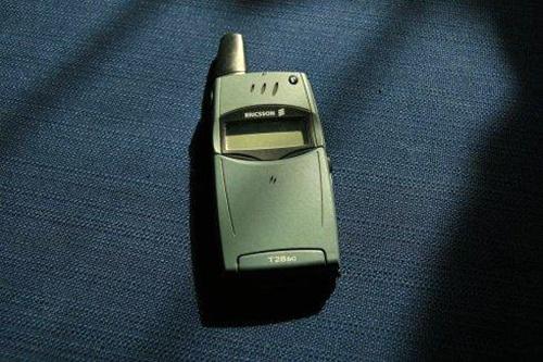 每年有大量的_退港回收_二手手机被淘汰