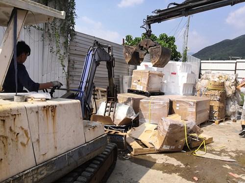 销毁公司在环保逐年严峻的状态下,废旧_香港销毁公司_物资回收再利用现已遵循到人们出产和日子的各个方面中,比如一些书本、废旧金属等等资源