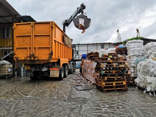 """""""互联网+再生资源回收""""定位不只是局限于""""废品""""回收,而是_香港废品回收_打造""""居民生活服务的生态圈"""""""