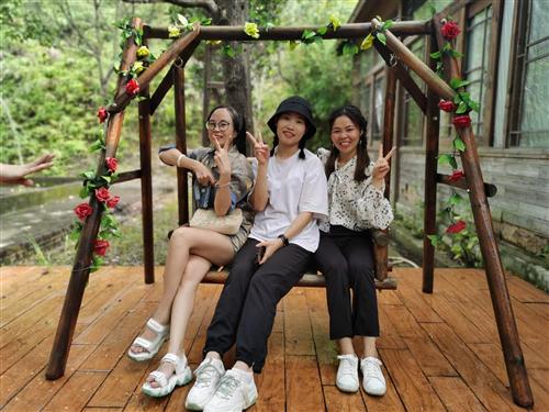 嘉特鑫照明公司开心畅游深圳农家乐-乐湖生态园团建、野炊等娱乐活动