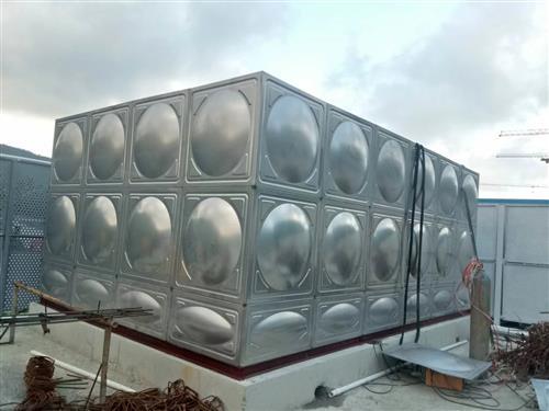海南不锈钢水箱厂家:水箱施工中的几点体会