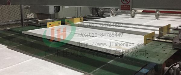岩棉万博体育平台复合板热保护固化工艺