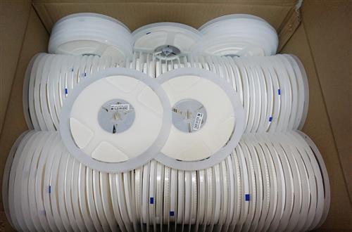 电容LED