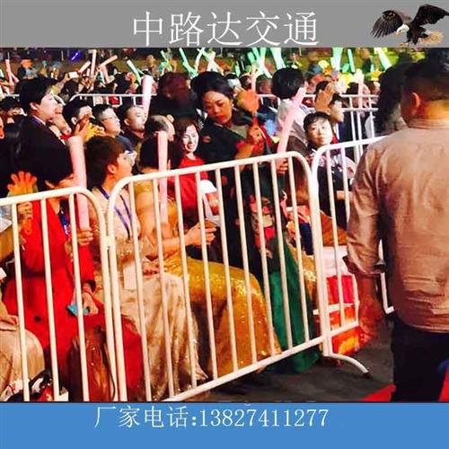 东莞体育馆应用白色铁马护栏实例