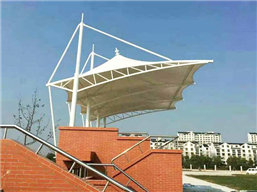 北京育英学校体育看台竣工8.27