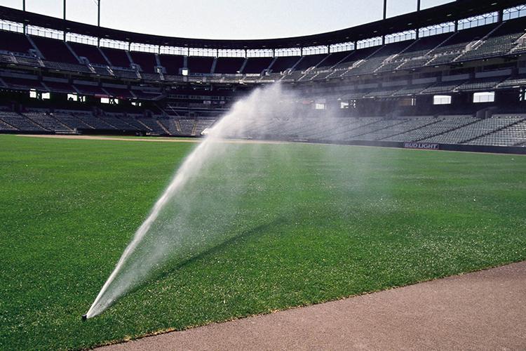 球场如何合理利用灌溉水资源