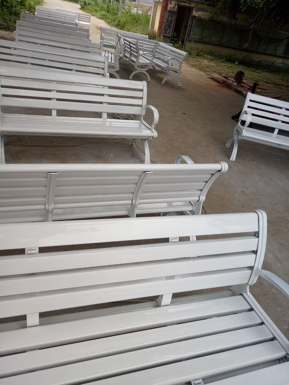楼观台公园椅