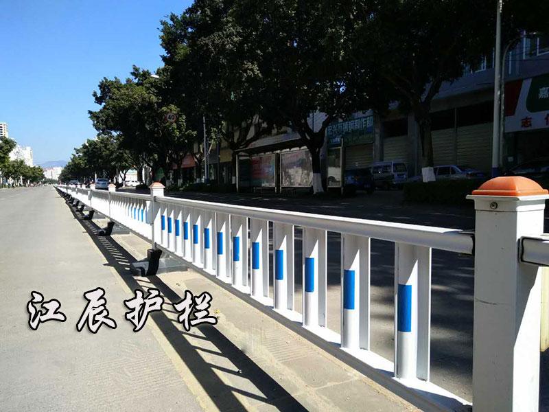 太阳能防眩光护栏