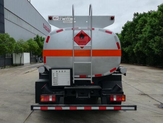 重汽轻卡运油车3