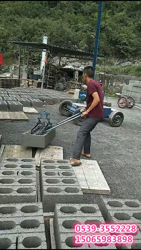 免烧砖码砖机