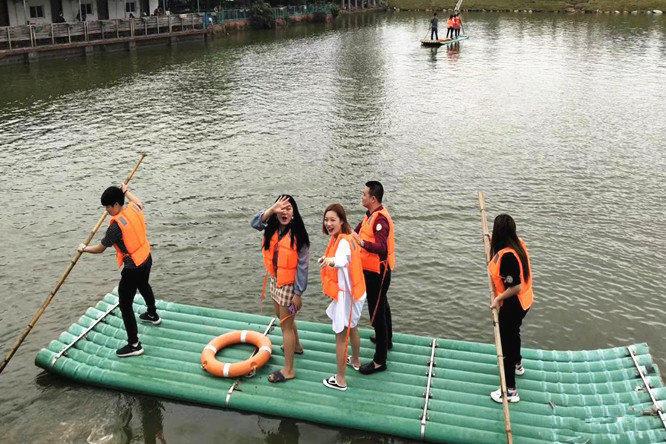 深圳农家乐-乐湖生态园康体休闲项目:水上竹筏