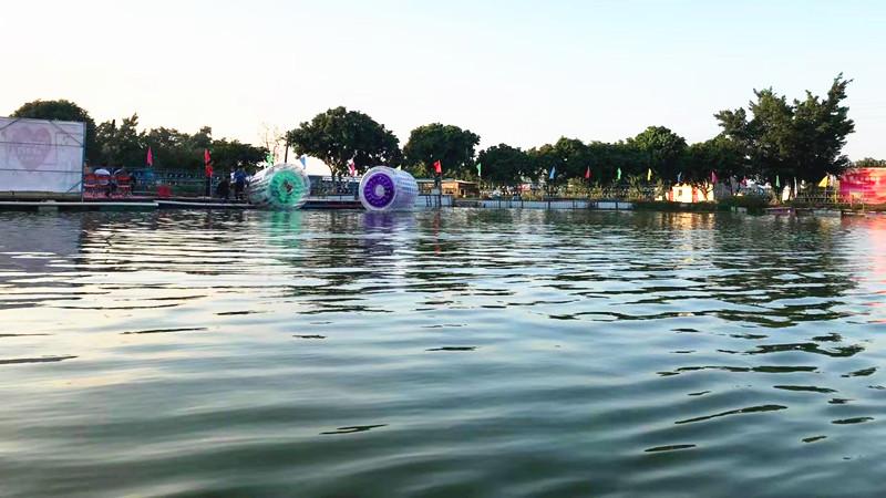 乐湖生态园水上滚筒