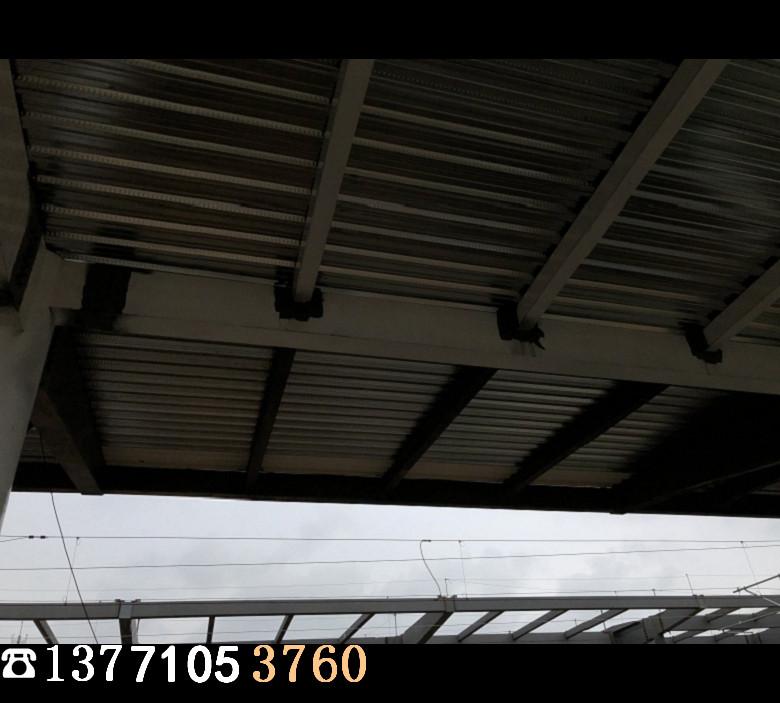 闭口楼承板施工现场3