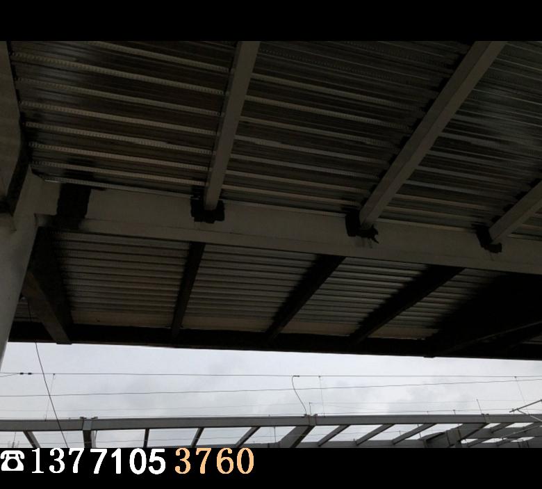 闭口楼承板施工现场4