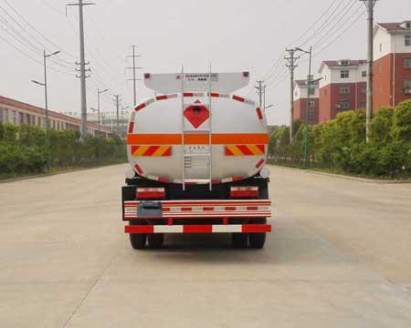 东风多利卡8.6立方运油车5