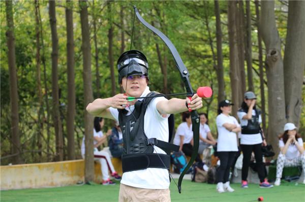【百步穿杨】体验古代射箭的准确,在校场上感受百步穿杨的乐趣,只有参与过你才能感受,冷兵器时代的阻击感受,完全不一样的体验,让体验告诉你感受吧。