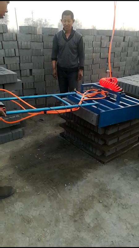 水泥砖码垛机1