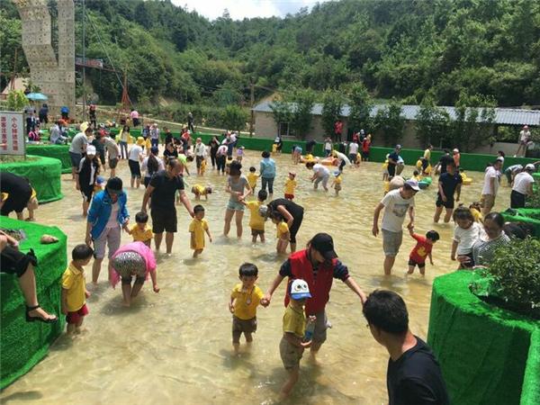 昆明二龙湖生态园