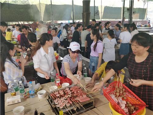 松山湖烧烤场地安排烧烤活动