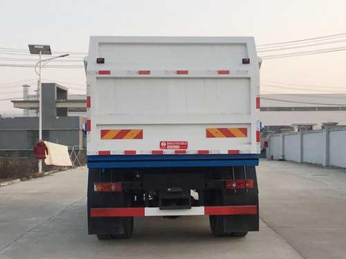 东风天锦厢式污泥运输车对接垃圾车2