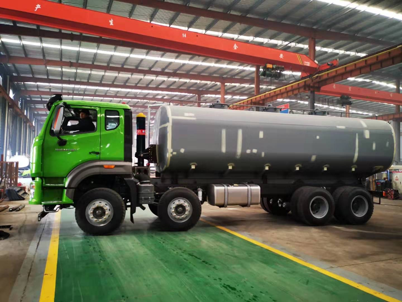 国六污泥运输车安装调试3