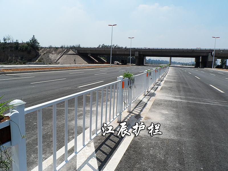 道路护栏3
