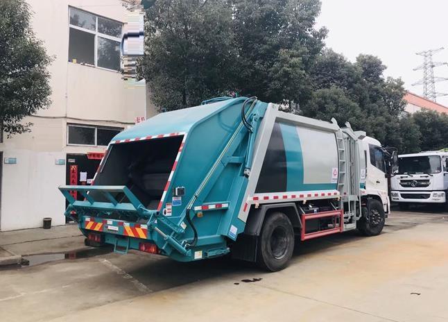东风天锦12方压缩垃圾车4