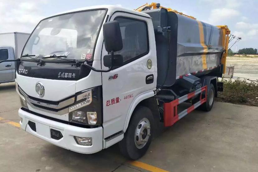 国六东风小多利卡蓝牌自装卸式挂桶垃圾车1