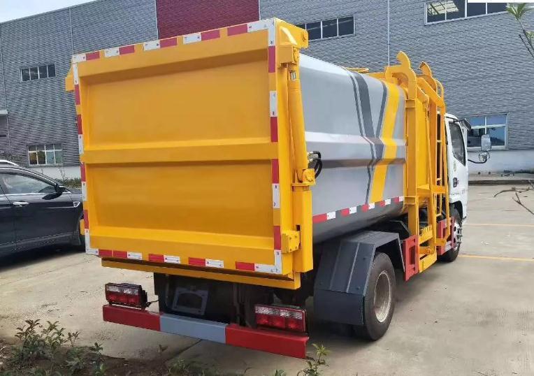 国六东风小多利卡蓝牌自装卸式挂桶垃圾车4