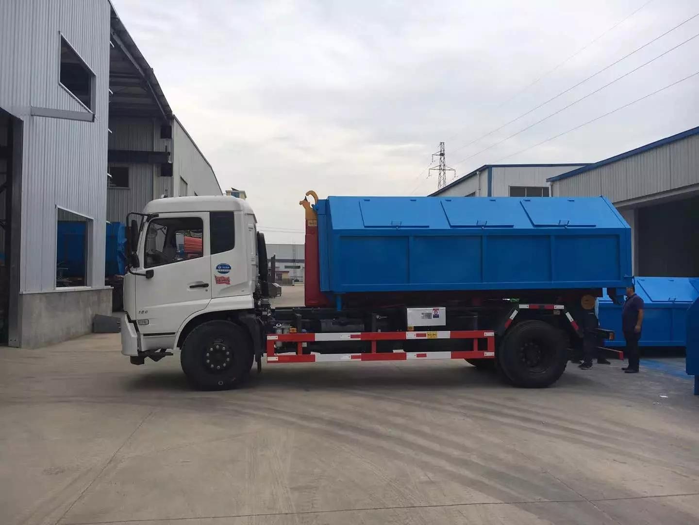 东风天锦国六钩臂垃圾车4