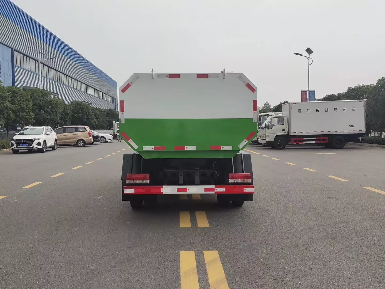 5方东风小多利卡自装卸挂桶垃圾车2