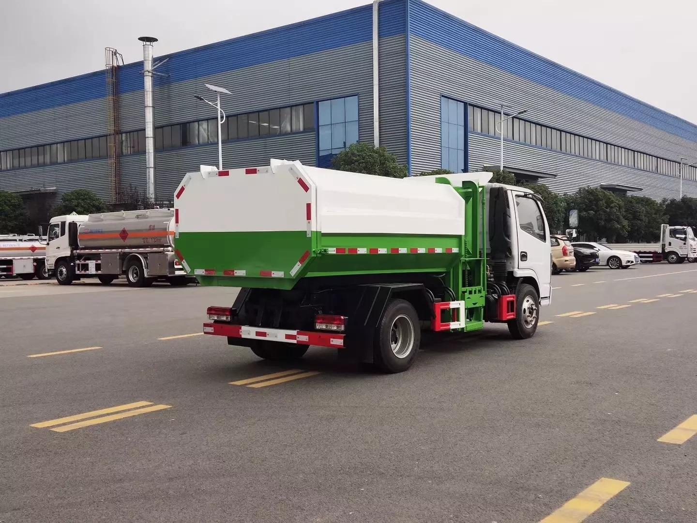 5方东风小多利卡自装卸挂桶垃圾车3