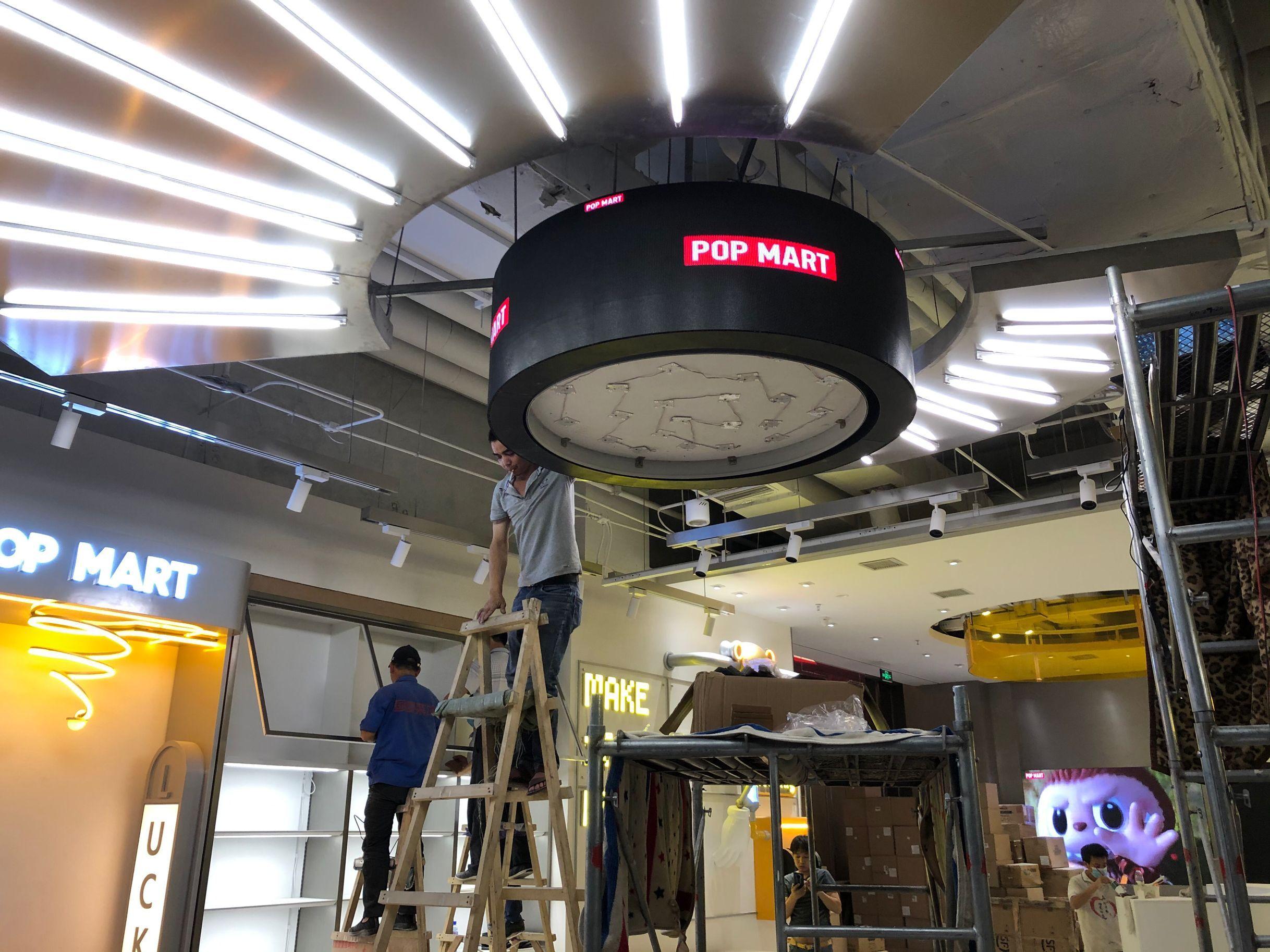 鎮江LED弧型電子屏安裝完成1