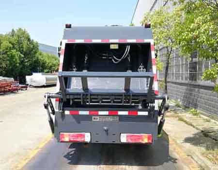 解放4立方5立方压缩垃圾车3