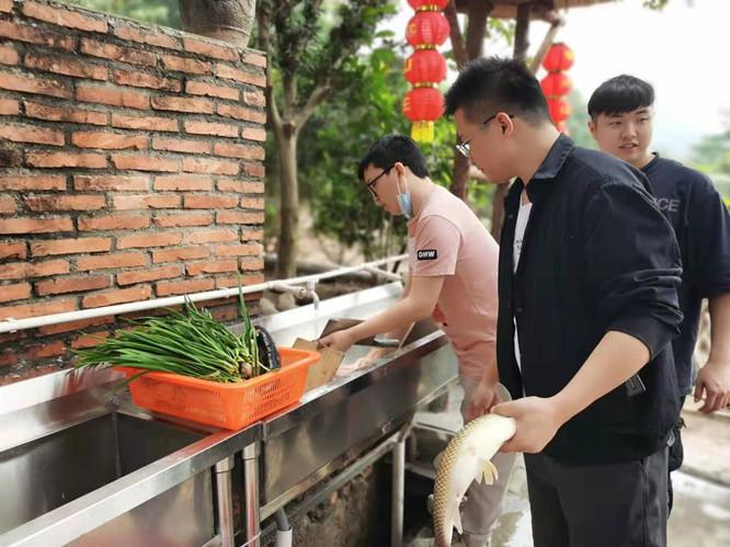 华为公司深圳体验店洗菜