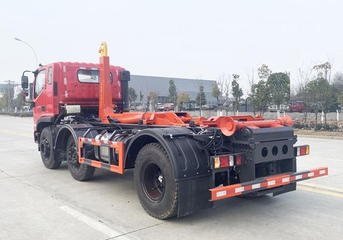 福田瑞沃20吨钩臂垃圾车3