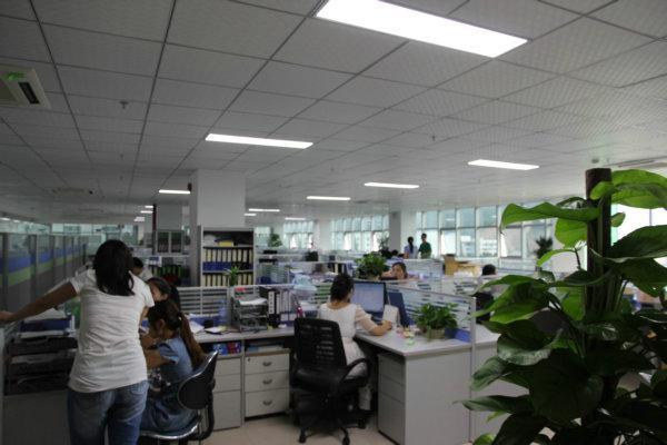 深圳搬家公司大型工厂搬迁