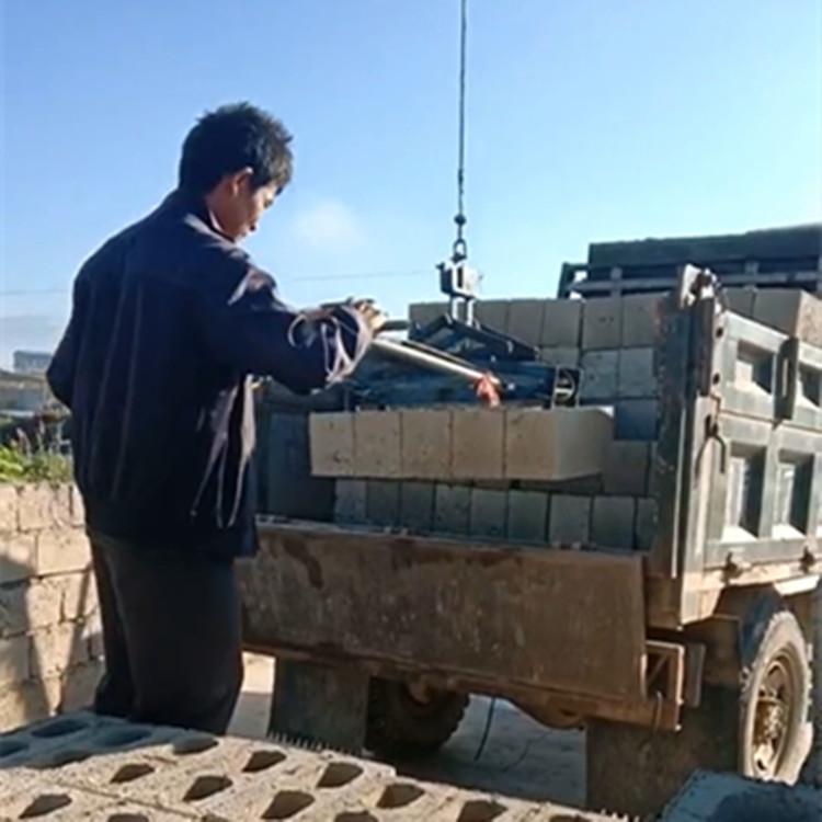 水泥砖码砖机