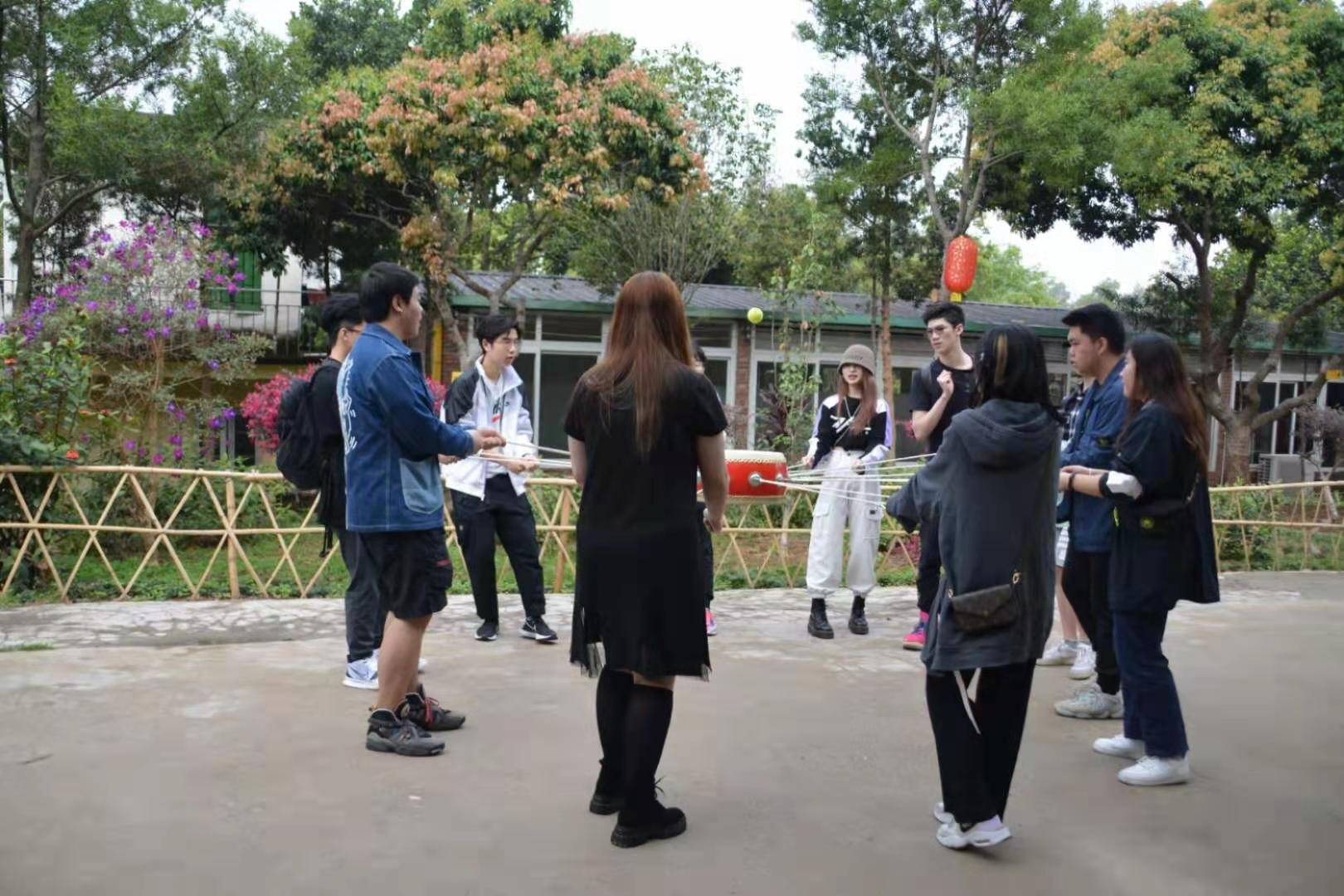 深圳农家乐-乐水山庄团建项目击鼓颠球